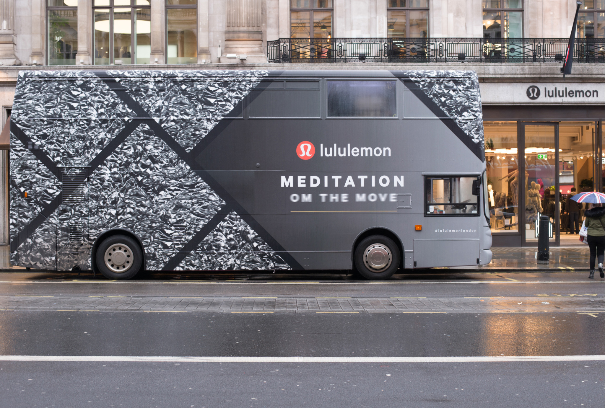 Om The Move bus outside Lululemon Regent Street store