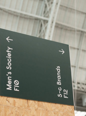 stand signage at exhibition